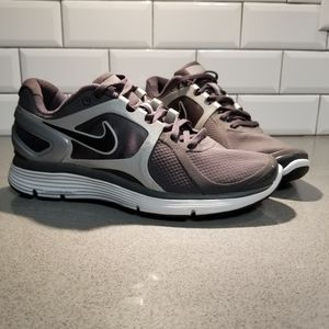 Women's Nike Lunar Eclipse 2 Sneakers